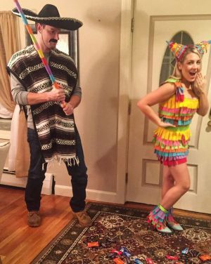 32 Easy Couple Costumes To Copy That Are Perfect For The College ...