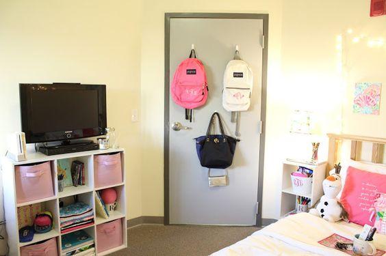 purse storage idea in college dorm room