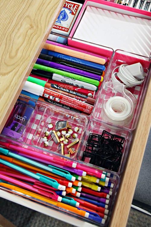 dorm desk organization