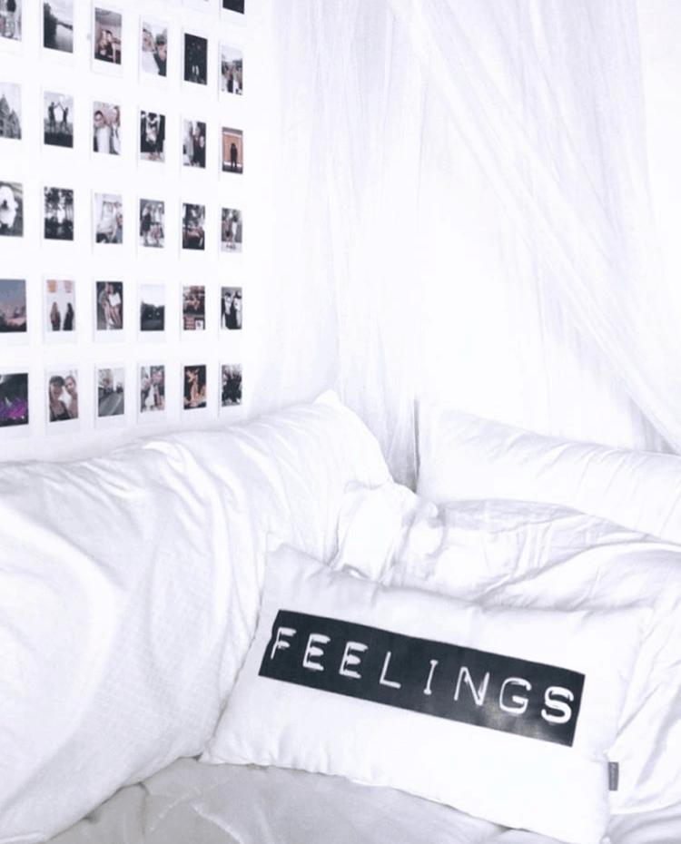 minimalist dorm room wall decor