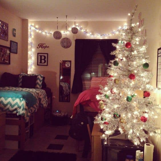 christmas tree dorm decorating