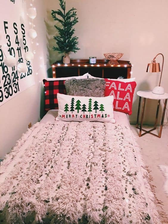 dorm christmas decorations pillows