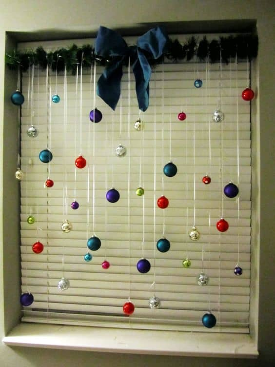 easy christmas dorm decorations