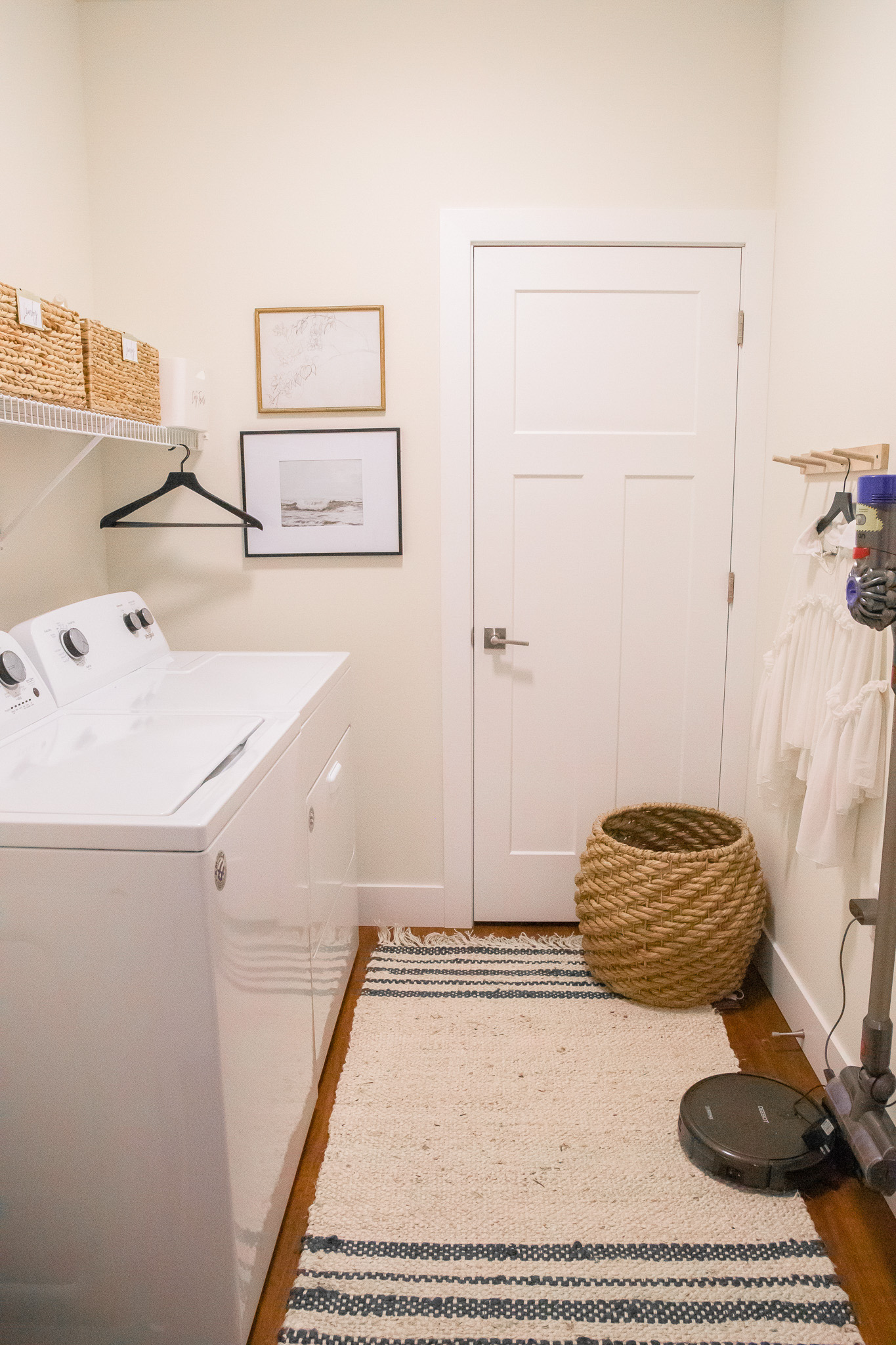 apartment laundry room decor