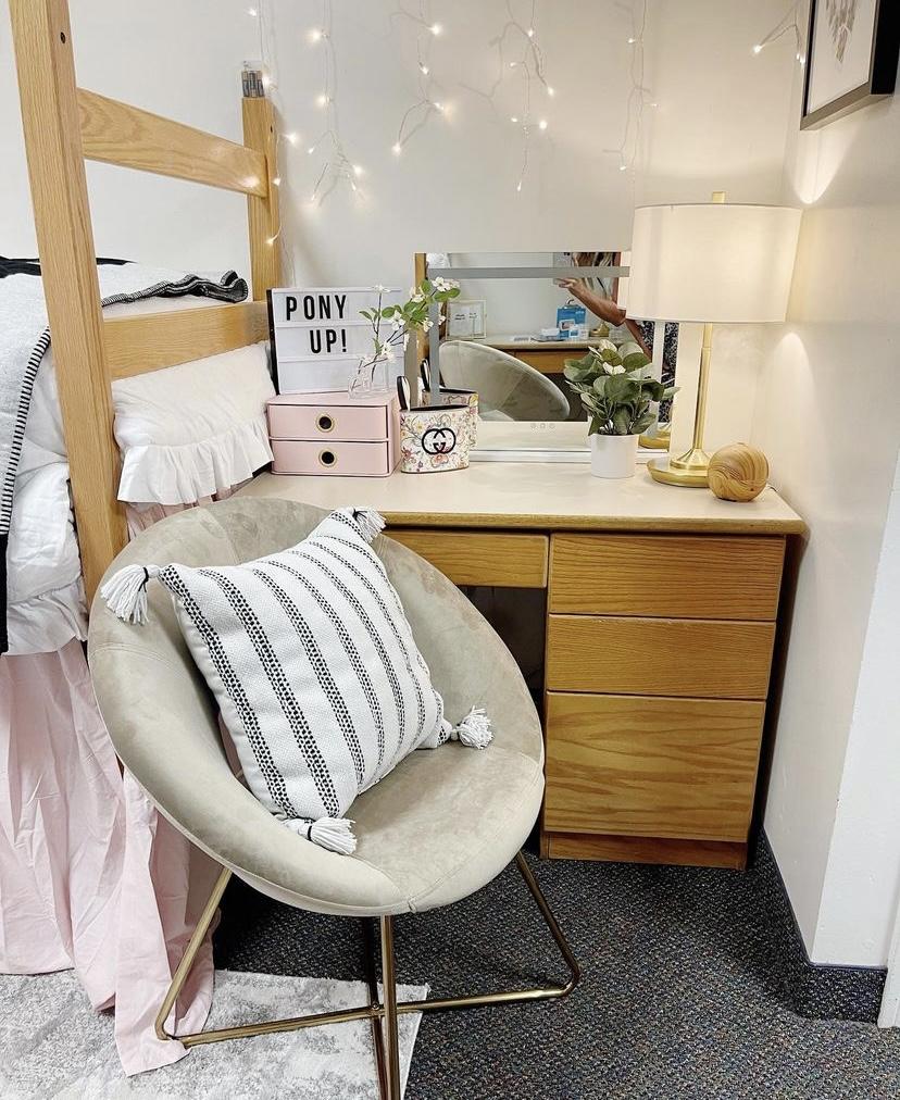 dorm room desk ideas