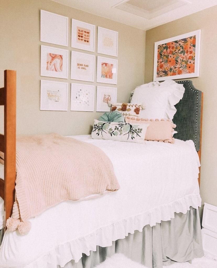 floral dorm decor