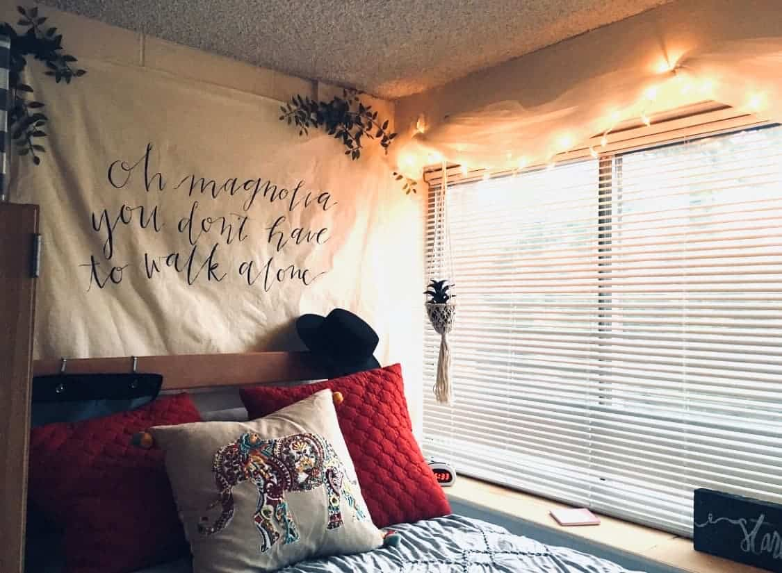 boho dorm decor