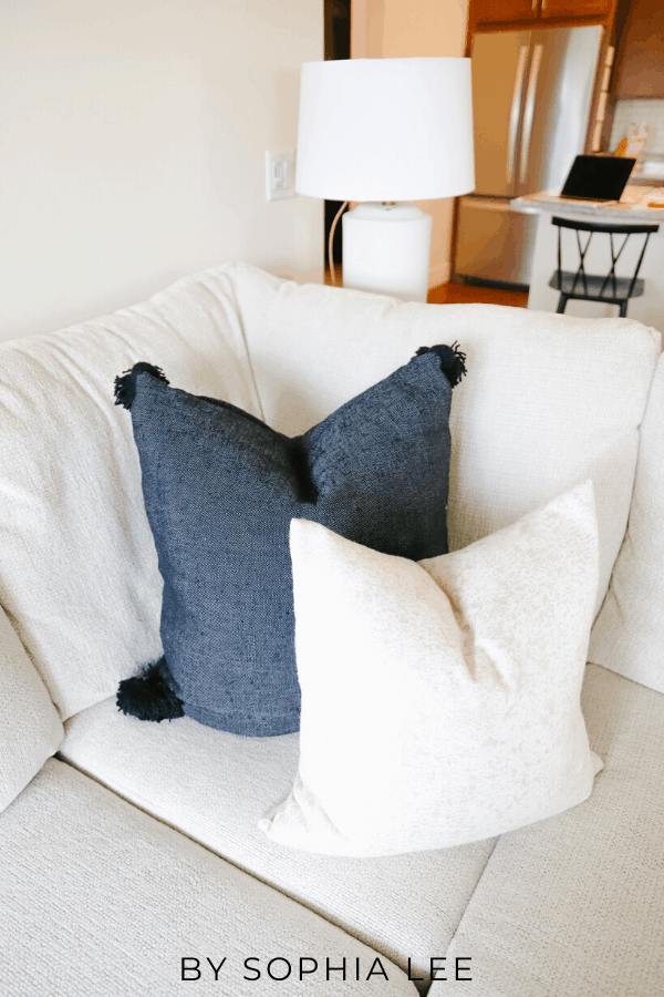 how to style couch pillows