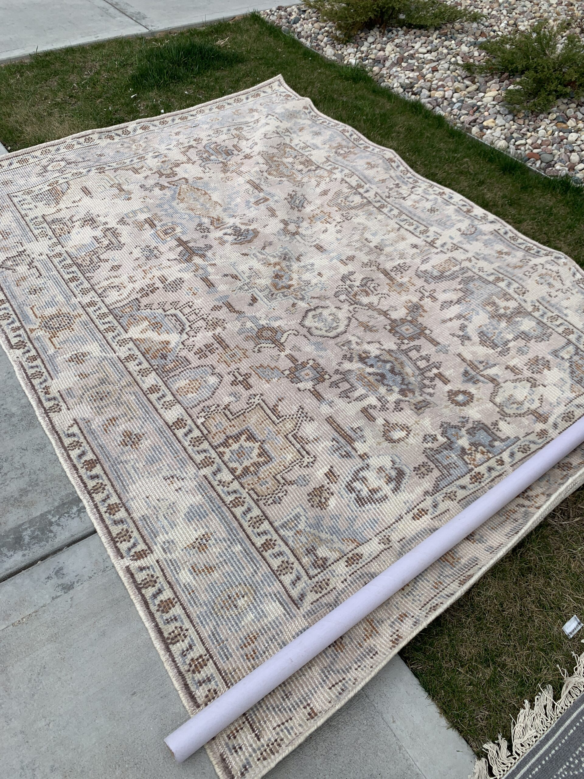 cheap vintage rugs