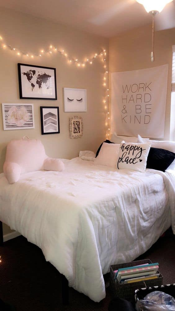 college apartment bedroom