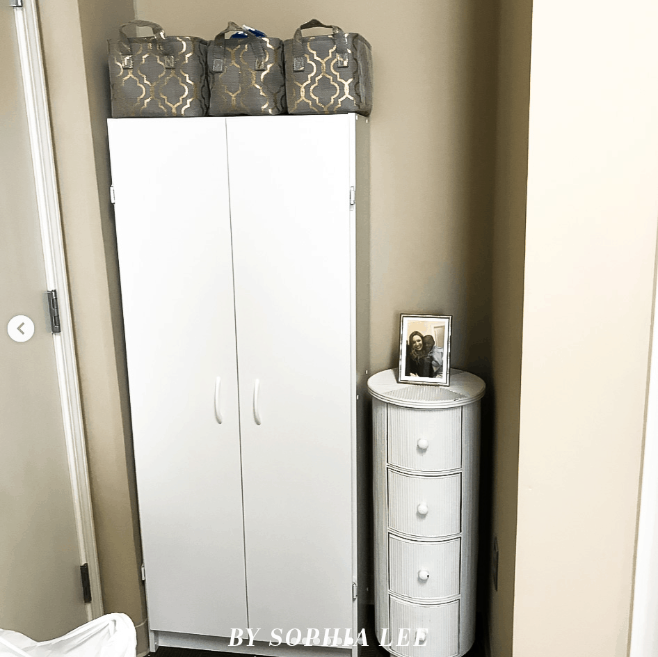college dorm closet ideas