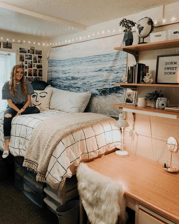 organized dorm rooms