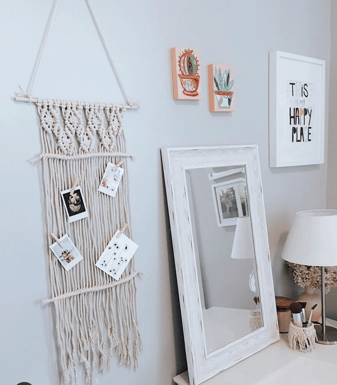 Dorm Room Wall Decor 9 Genius Ways To Decorate Your Dorm Room Walls By Sophia Lee