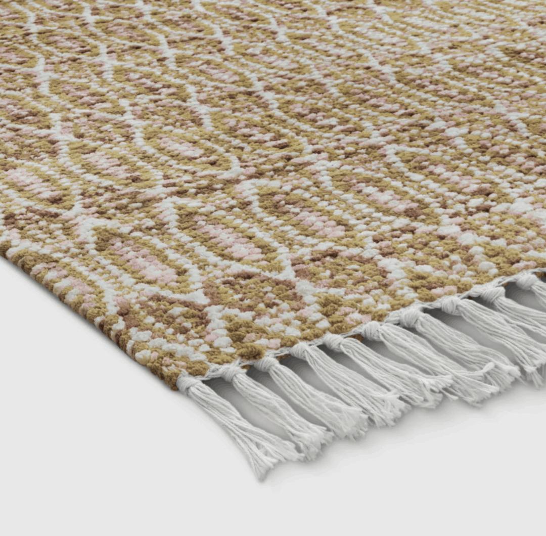 dorm room rug size