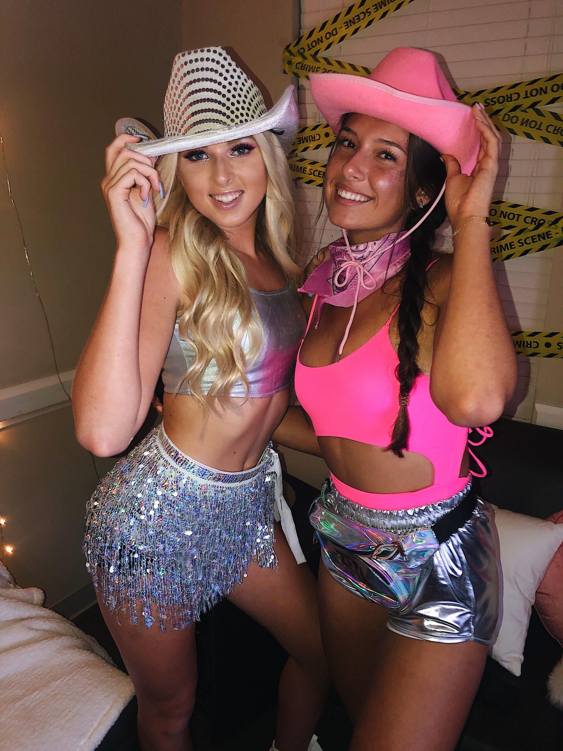 trendy college halloween costumes