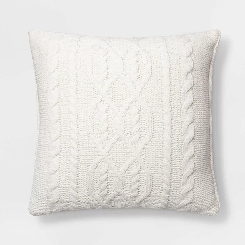 trendy christmas pillows
