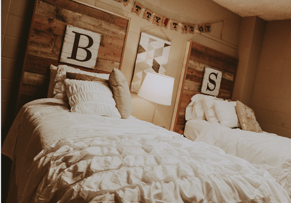 rustic dorm decor