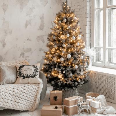 small apartment christmas decor