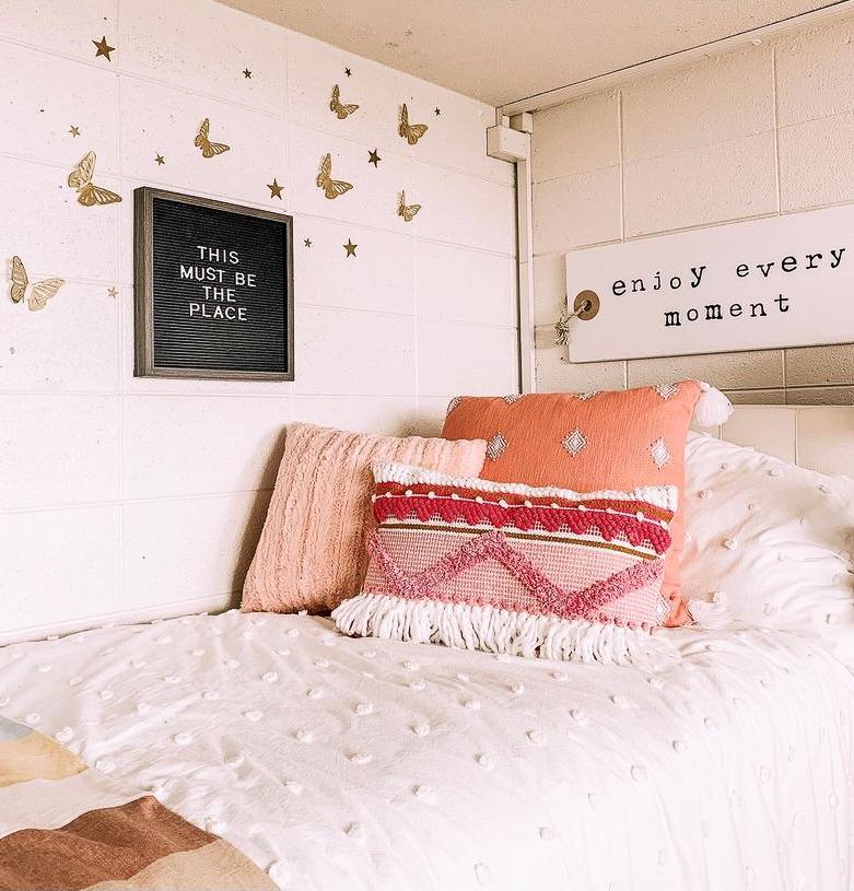 boho dorm decor