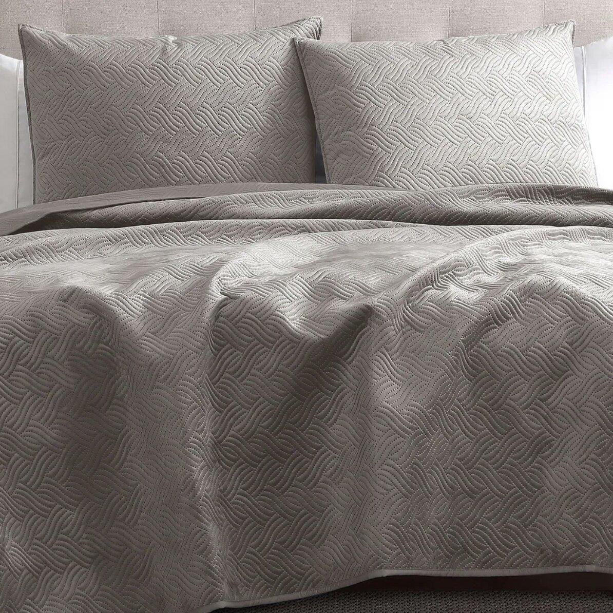 trendy dorm bedding ideas